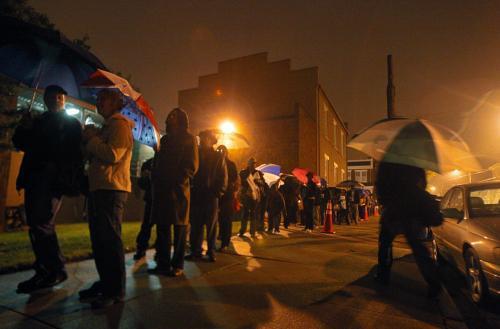 Fronta před volební místností