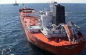 Moderní piráti zastavují tanker