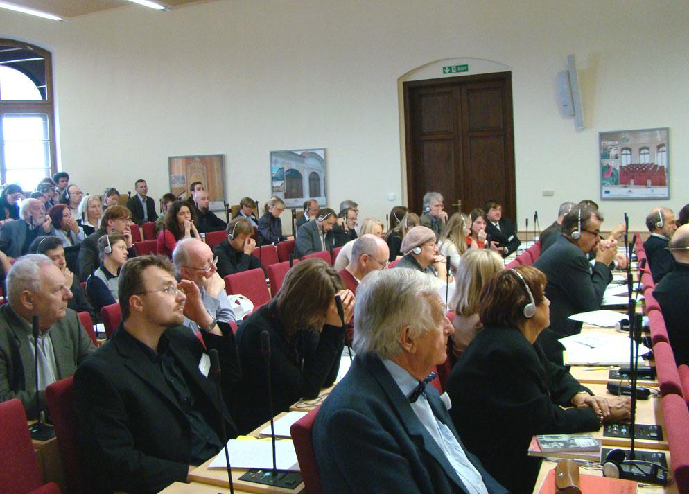 Účastníci konference Kafka a moc