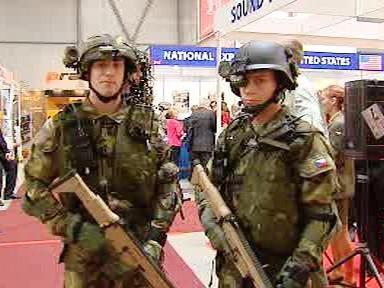 Vojáci v moderní zbroji