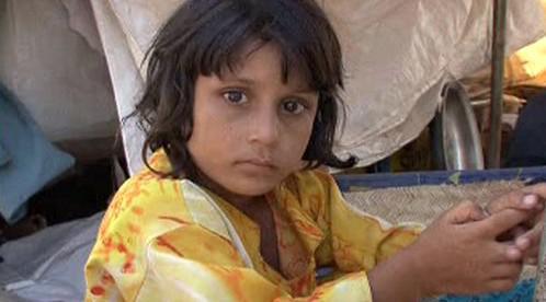 Pákistánská holčička v uprchlickém táboře