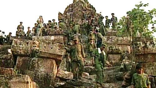Vojáci u chrámu Preah Vihear