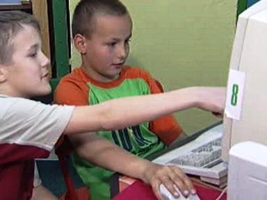 Internet se do škol podle Lišky vrátí