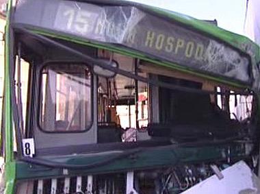 Zničený trolejbus