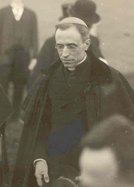 Pius XII. na dobovém snímku