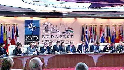 Schůzka ministrů obrany NATO v Budapešti