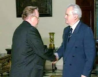 Martti Ahtisaari a Slobodan Milosević