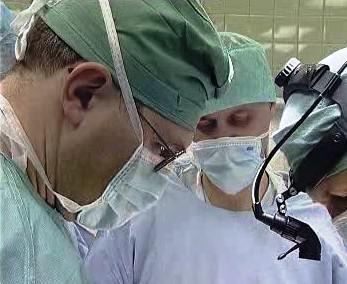 Doktoři při operaci