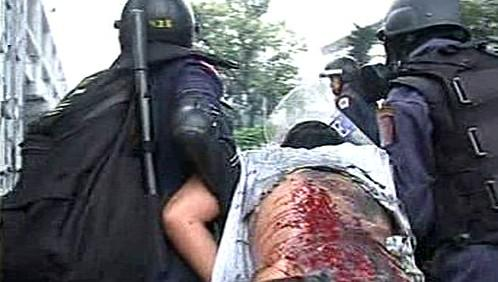 Thajská policie tvrdě zasáhla proti demonstrantům