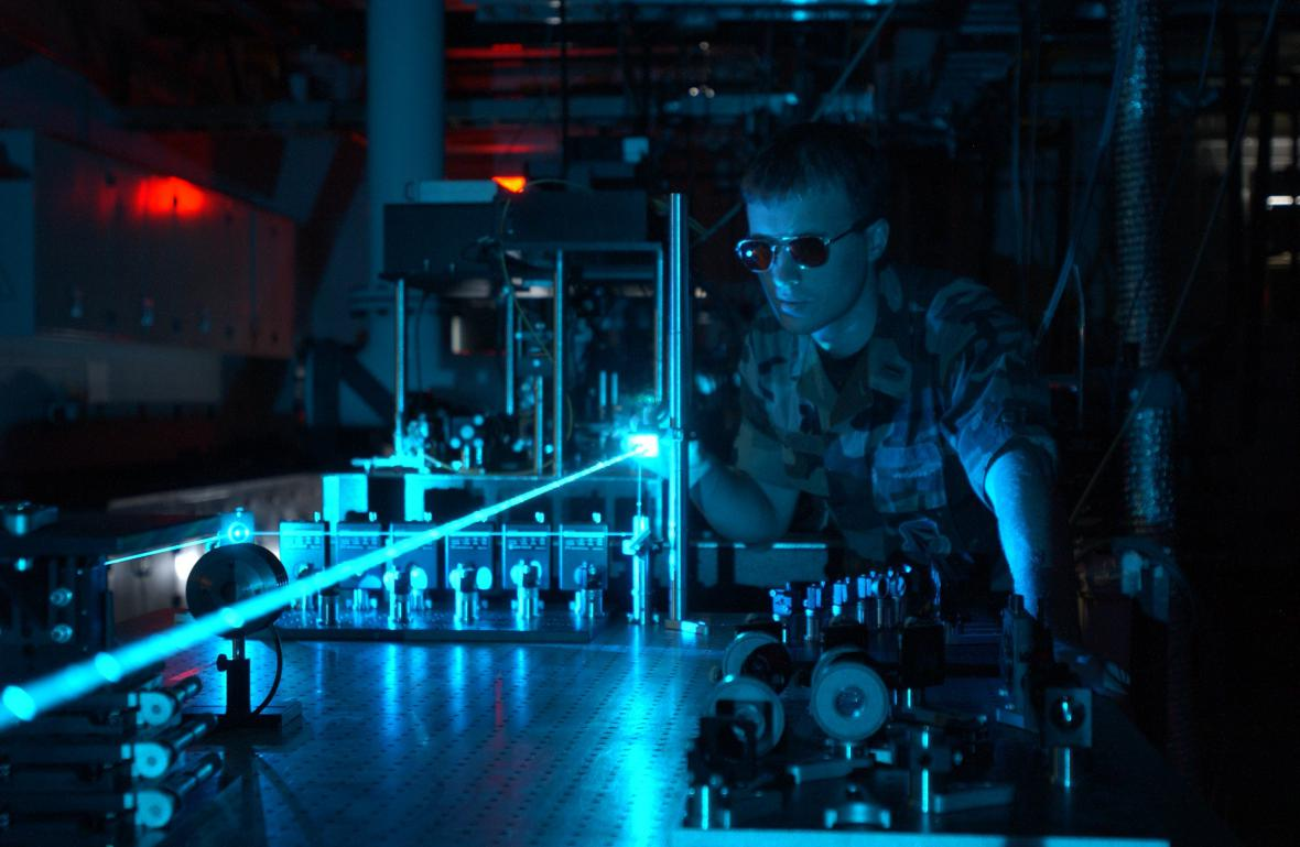 Experimenty s laserem