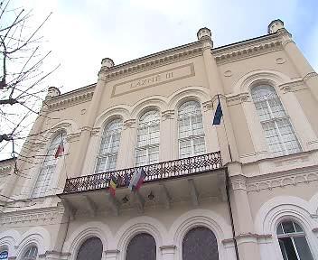 Poškozený dům v Karlových Varech