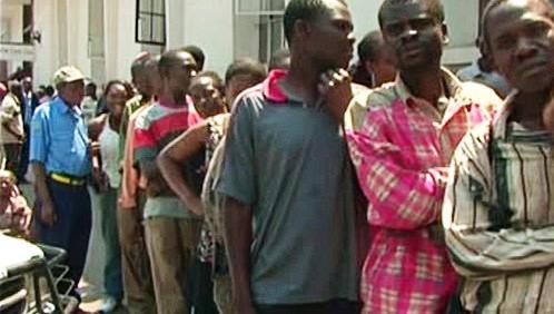 Zimbabwané trpí rekordní inflací