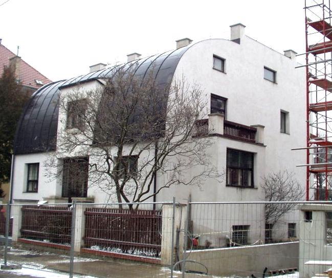 Jedna z Loosových vil ve Vídni