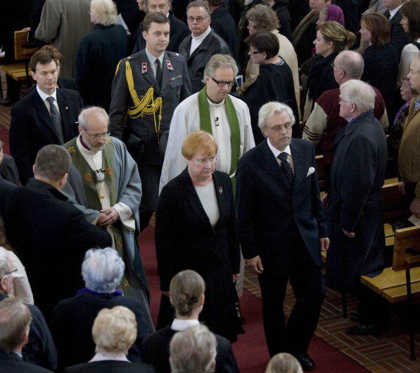 Finská prezidentka na smuteční bohoslužbě