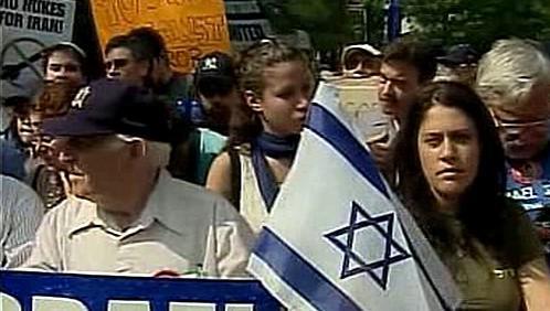 Demonstrace před sídlem OSN