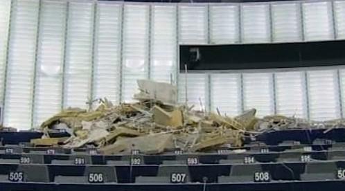 Zřícený strop v Evropském parlamentu