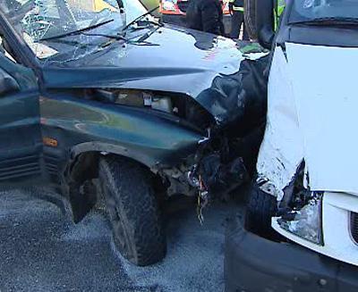 Nehoda dodávky a osobního auta