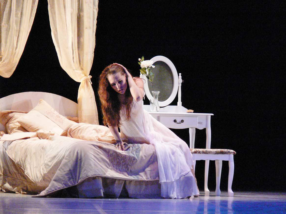 Nikola Márová v baletu Dáma s kaméliemi