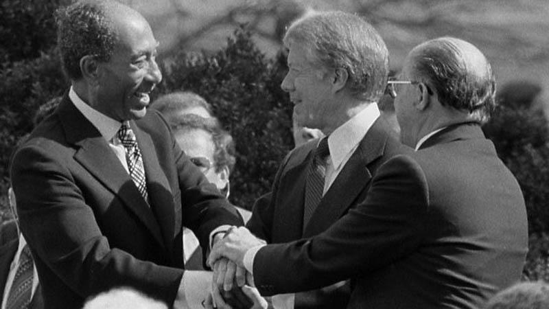 Anvar Sadat, Jimmy Carter a Menachem Begin