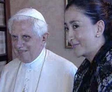 Papež Benedikt XVI. s Ingrid Betancourtovou