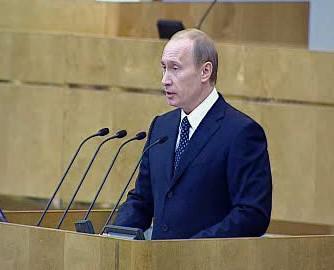 Vladimir Putin při projevu ve Státní dumě