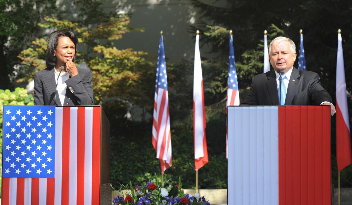 Condoleezza Riceová se před podpisem smlouvy setkala s Lechem Kaczyńským