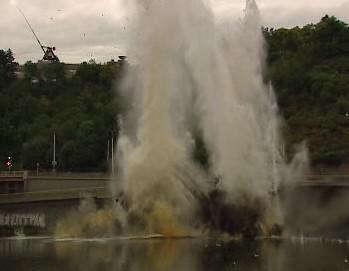 Výbuch na Vltavě