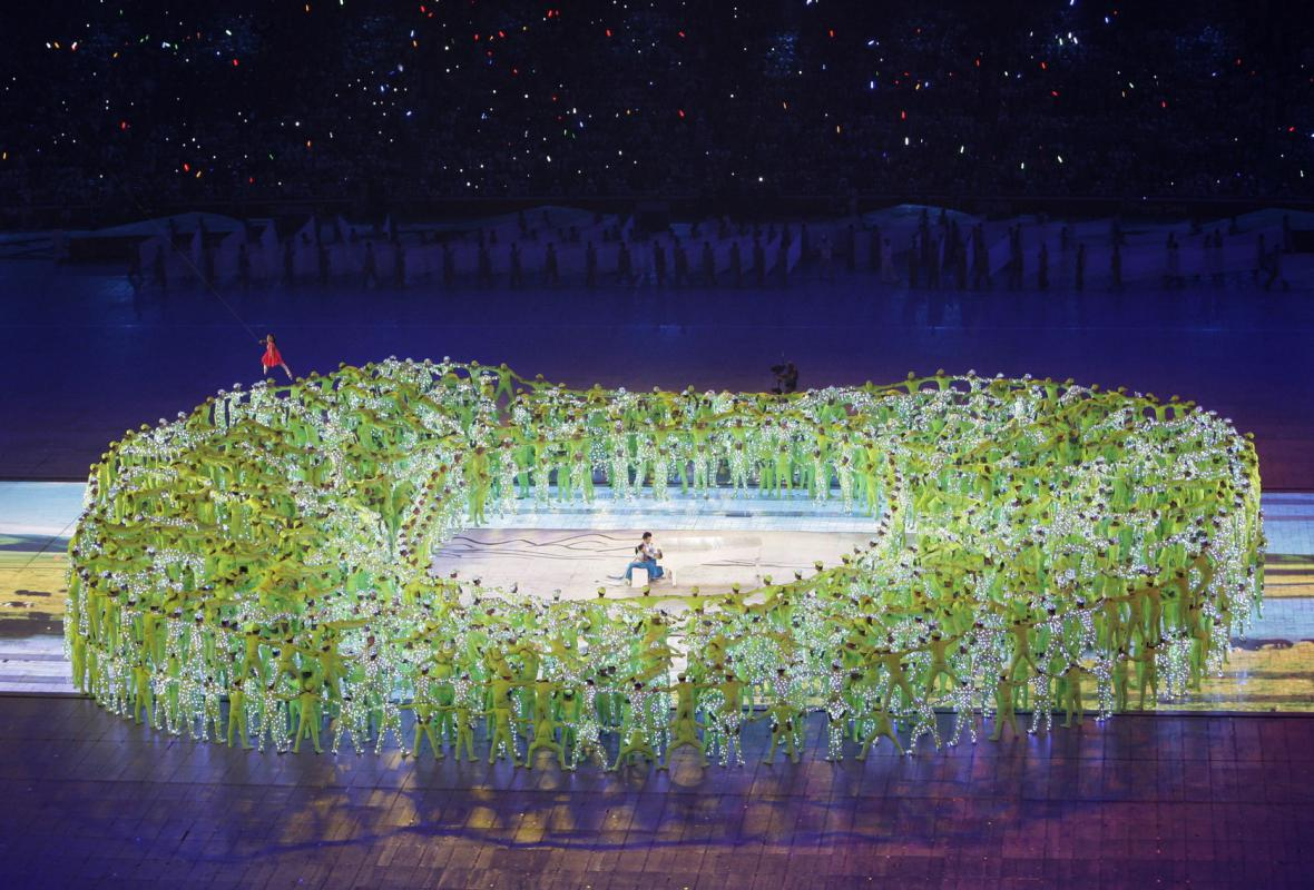 Na ceremoniálu se vystřídalo 10 000 účinkujících