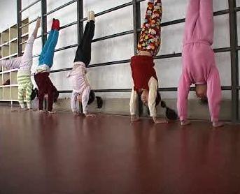Cvičící čínské gymnastky
