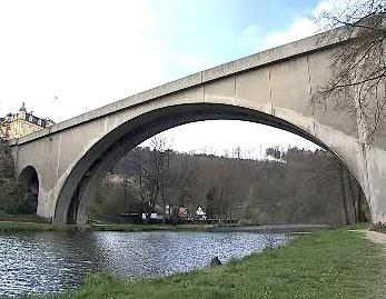 Most v Lokti