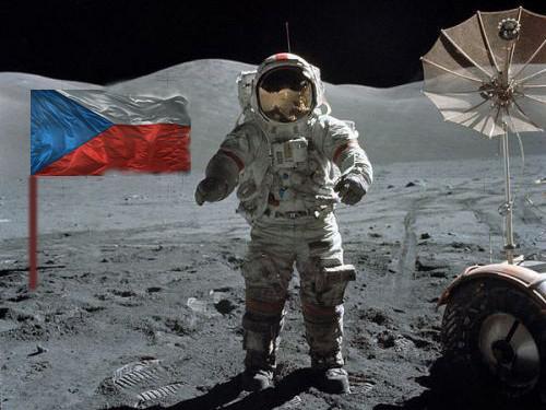 Češi na Měsíci