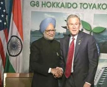 Manmóhan Singh a George Bush