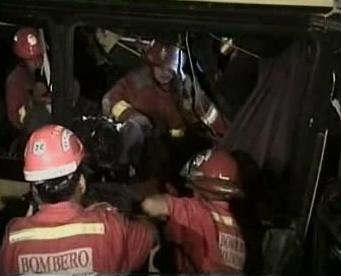 Záchranáři u nehody autobusů