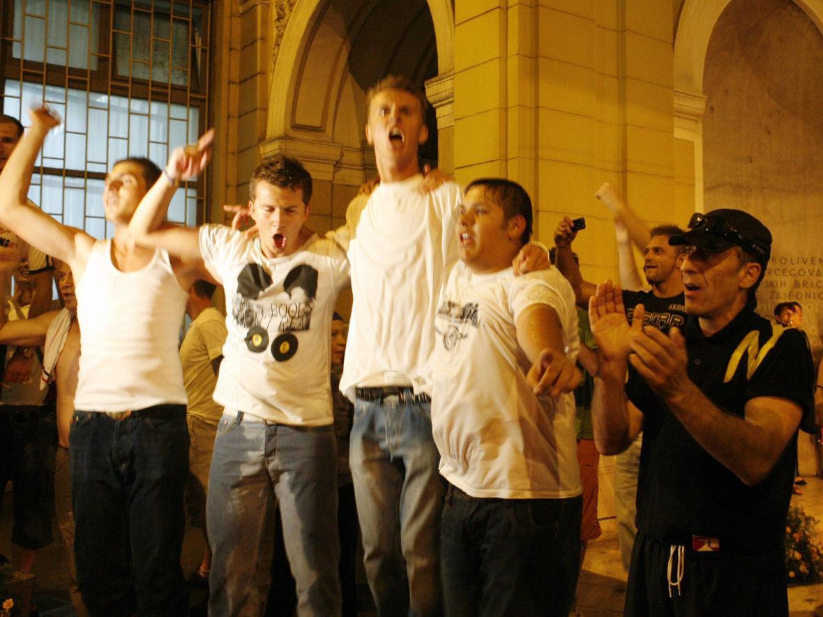 Sarajevo slaví zatčení Karadžiče
