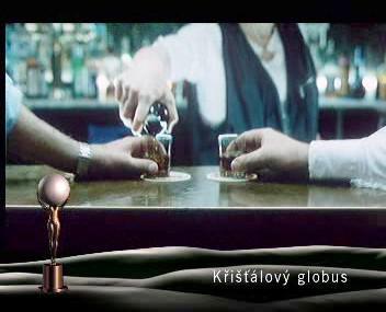 Záběr z filmu Ukrutně šťastni