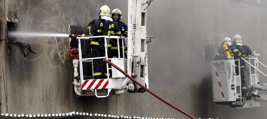 Zasahující hasiči