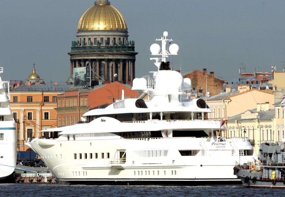 Luxusní jachta Pelorus