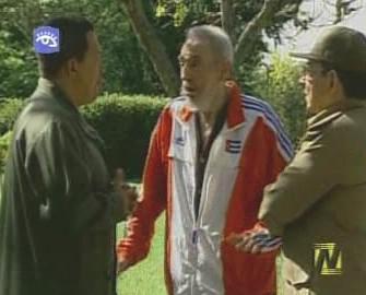Fidel a Raul Castrovi s Hugem Chávezem