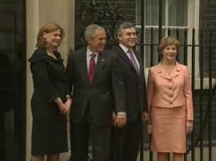 Geroge Bush a Gordon Brown