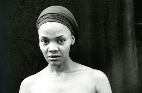 Zanele Muholi: Nomonde Mbusi, 2007