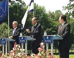 Bush, Janša, a Barroso na summitu v Brdu