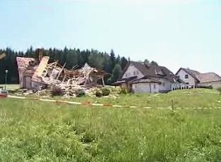 Rodinný dům po výbuchu