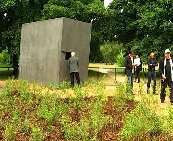 Památník homosexuálním obětem nacismu