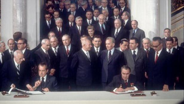 Podpis americko-sovětské odzbrojovací smlouvy v roce 1972