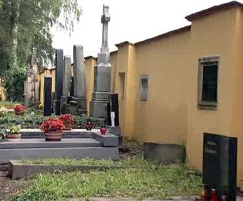Hřbitovní zeď v Jaroměři