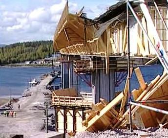 Část zříceného mostu