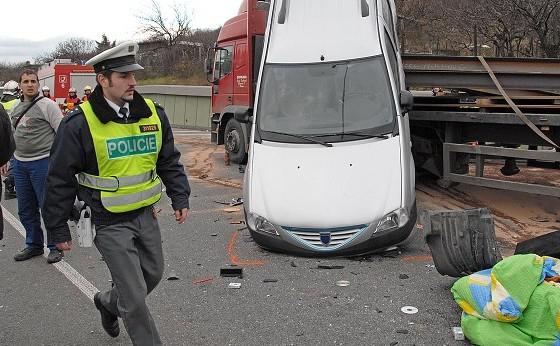 Policie vyšetřuje nehodu