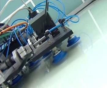Robot na čištění skla