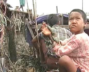 Následky cyklonu v Barmě