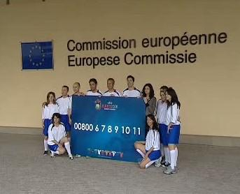 Telefonní linka pro fanoušky Eura